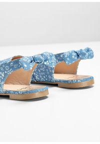 Niebieskie baleriny bonprix z paskami, w kwiaty