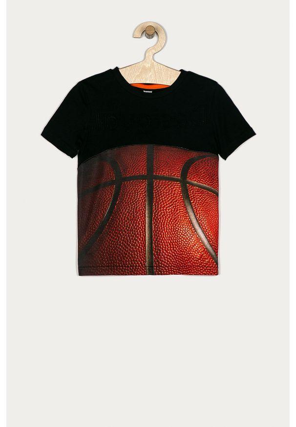 Czarny t-shirt Desigual na co dzień, z nadrukiem, casualowy