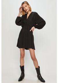 Czarna sukienka ANSWEAR mini, z długim rękawem, na co dzień