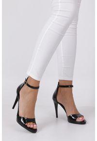 Nessi - Czarne sandały szpilki skórzane lakierowane jacob z paskiem wokół kostki nessi jc022. Zapięcie: pasek. Kolor: czarny. Materiał: lakier, skóra. Obcas: na szpilce #2