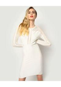 Pinko - PINKO - Biała sukienka z wycięciami Campionato. Kolor: biały. Materiał: wiskoza. Długość rękawa: długi rękaw. Typ sukienki: dopasowane. Długość: mini