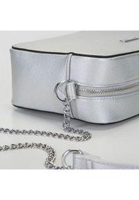 Wittchen - Damska listonoszka pudełkowa na łańcuszku. Kolor: srebrny. Sezon: lato. Materiał: skórzane. Styl: elegancki, sportowy
