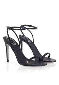 RENE CAOVILLA - Czarne sandały na szpilce Ellabrita. Zapięcie: pasek. Kolor: czarny. Materiał: materiał. Wzór: nadruk, aplikacja. Obcas: na szpilce