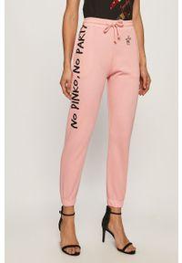 Różowe spodnie dresowe Pinko z nadrukiem