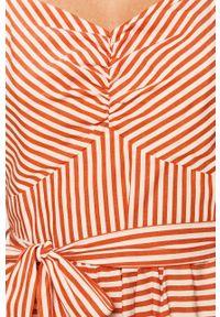 Pomarańczowa sukienka Glamorous prosta, na co dzień, z dekoltem typu hiszpanka, midi