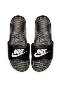 Klapki męskie na basen Nike Benassi 343880. Okazja: na co dzień, na plażę. Materiał: materiał, syntetyk. Szerokość cholewki: normalna. Sport: pływanie