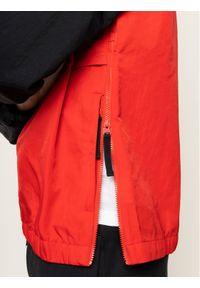 Czerwona kurtka przejściowa Nike