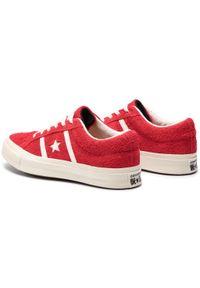 Czerwone buty sportowe Converse z cholewką