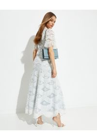 NEEDLE & THREAD - Sukienka maxi Lunette. Kolor: niebieski. Materiał: koronka. Wzór: haft, aplikacja, koronka. Typ sukienki: asymetryczne, rozkloszowane. Długość: maxi