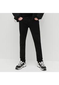 Reserved - Spodnie super slim fit - Czarny. Kolor: czarny