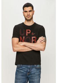 Czarny t-shirt s.Oliver z nadrukiem, casualowy, na co dzień