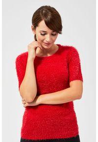 Czerwony sweter MOODO krótki, z krótkim rękawem, z okrągłym kołnierzem