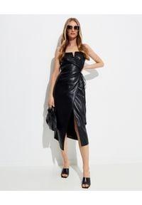 NANUSHKA - Sukienka ze skóry wegańskiej Anubi. Kolor: czarny. Materiał: skóra. Długość rękawa: na ramiączkach. Długość: midi