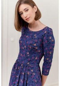 Marie Zélie - Sukienka Emelina Piaf niebieska. Kolor: niebieski. Materiał: tkanina, guma, dzianina, elastan, wiskoza, materiał. Styl: klasyczny. Długość: midi