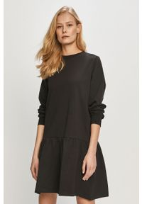 Czarna sukienka Jacqueline de Yong prosta, casualowa, mini
