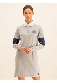 Superdry Sukienka dzianinowa Webb Rugby W8000056A Szary Regular Fit. Kolor: szary. Materiał: dzianina