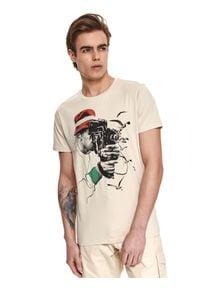 TOP SECRET - T-shirt z nadrukiem. Kolor: beżowy. Materiał: tkanina, bawełna. Długość rękawa: krótki rękaw. Długość: krótkie. Wzór: nadruk. Sezon: lato. Styl: wakacyjny