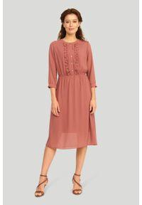 Greenpoint - Szyfonowa sukienka z ozdobnymi falbanami. Materiał: szyfon