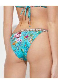 Camilla - CAMILLA - Dół od bikini w kwiaty. Stan: obniżony. Kolor: niebieski. Materiał: tkanina. Wzór: kwiaty