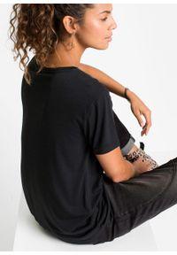 Długi shirt z dekoltem w serek bonprix czarny. Typ kołnierza: dekolt w serek. Kolor: czarny. Długość rękawa: krótki rękaw. Długość: długie