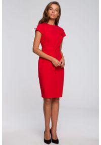 e-margeritka - Sukienka ołówkowa elegancka z paskiem czerwona - l. Okazja: do pracy. Kolor: czerwony. Materiał: wiskoza, materiał, elastan, tkanina, poliester. Sezon: lato. Typ sukienki: ołówkowe. Styl: elegancki