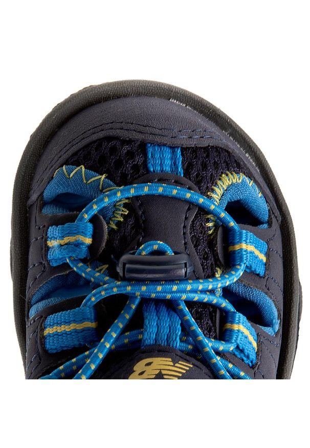 Niebieskie sandały New Balance na lato