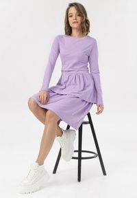 Born2be - Jasnofioletowa Sukienka Grynneth. Okazja: na co dzień. Kolor: fioletowy. Materiał: bawełna, dzianina, skóra. Długość rękawa: długi rękaw. Wzór: gładki. Typ sukienki: rozkloszowane. Styl: casual. Długość: mini