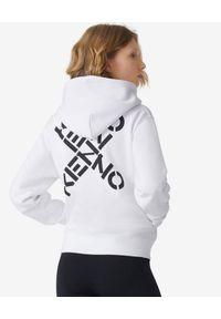 Kenzo - KENZO - Biała bluza z logo Sport. Okazja: na co dzień. Kolor: biały. Długość rękawa: długi rękaw. Długość: długie. Wzór: aplikacja. Styl: sportowy