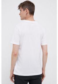 New Balance - T-shirt. Okazja: na co dzień. Kolor: biały. Wzór: nadruk. Styl: casual