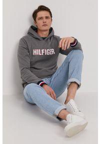 TOMMY HILFIGER - Tommy Hilfiger - Bluza. Okazja: na co dzień. Typ kołnierza: kaptur. Kolor: szary. Styl: casual