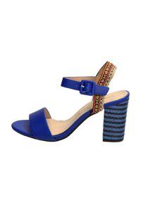 Niebieskie sandały Sabatina na średnim obcasie, na obcasie