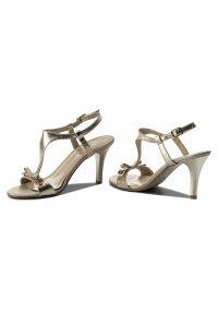 Złote sandały Kotyl z aplikacjami, eleganckie