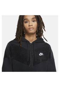 Bluza damska Nike Sportswear Heritage CZ1878. Materiał: welur, materiał