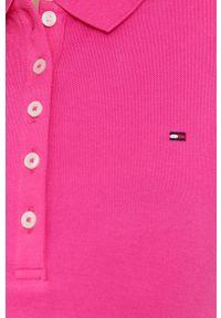 TOMMY HILFIGER - Tommy Hilfiger - Sukienka. Okazja: na co dzień. Kolor: różowy. Materiał: dzianina. Wzór: gładki. Typ sukienki: proste. Styl: casual