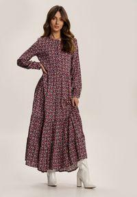 Renee - Fioletowa Sukienka Mariye. Kolor: fioletowy. Długość rękawa: długi rękaw. Wzór: kwiaty. Styl: klasyczny. Długość: maxi