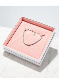 AMINA MUADDI - Bransoleta na kostkę z kryształami. Materiał: srebrne. Kolor: srebrny. Kamień szlachetny: kryształ