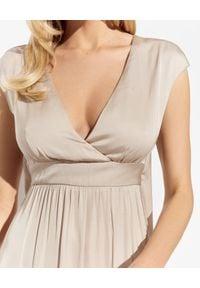 PESERICO - Beżowa sukienka maxi. Kolor: beżowy. Materiał: wiskoza. Styl: elegancki. Długość: maxi