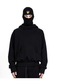 ROBERT KUPISZ - Czarna bluza NOW. Typ kołnierza: kaptur. Kolor: czarny. Materiał: bawełna, dresówka. Wzór: aplikacja
