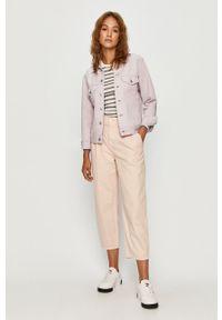 Różowe spodnie materiałowe Levi's® biznesowe, na spotkanie biznesowe