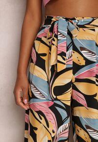 Renee - Czarne Spodnie Szerokie Chryaza. Stan: podwyższony. Kolor: czarny. Materiał: materiał