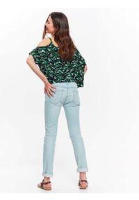 Zielona koszula TROLL na lato, krótka, w kolorowe wzory, z krótkim rękawem