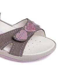 Szare sandały Primigi na lato