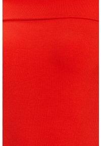 Guess Jeans - Sukienka. Okazja: na co dzień. Typ kołnierza: dekolt hiszpanka. Kolor: czerwony. Materiał: jeans. Wzór: gładki. Typ sukienki: dopasowane, proste. Styl: casual. Długość: midi #4