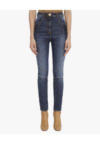 Balmain - BALMAIN - Niebieskie jeansy z przeszyciami. Okazja: na co dzień. Stan: podwyższony. Kolor: niebieski. Wzór: aplikacja. Styl: elegancki, casual