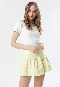 Born2be - Jasnożółta Spódnica Coraedenah. Kolor: żółty