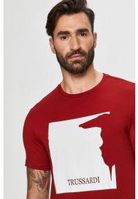 Czerwony t-shirt Trussardi Jeans na co dzień, klasyczny, z nadrukiem, z włoskim kołnierzykiem