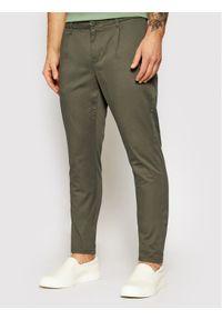 Only & Sons - ONLY & SONS Spodnie materiałowe Cam 22016775 Zielony Regular Fit. Kolor: zielony. Materiał: materiał