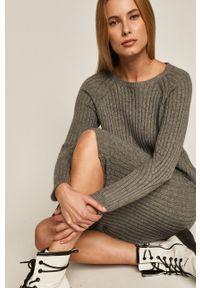 Szary sweter medicine długi, z długim rękawem