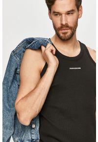 Czarny t-shirt Calvin Klein Jeans gładki, casualowy