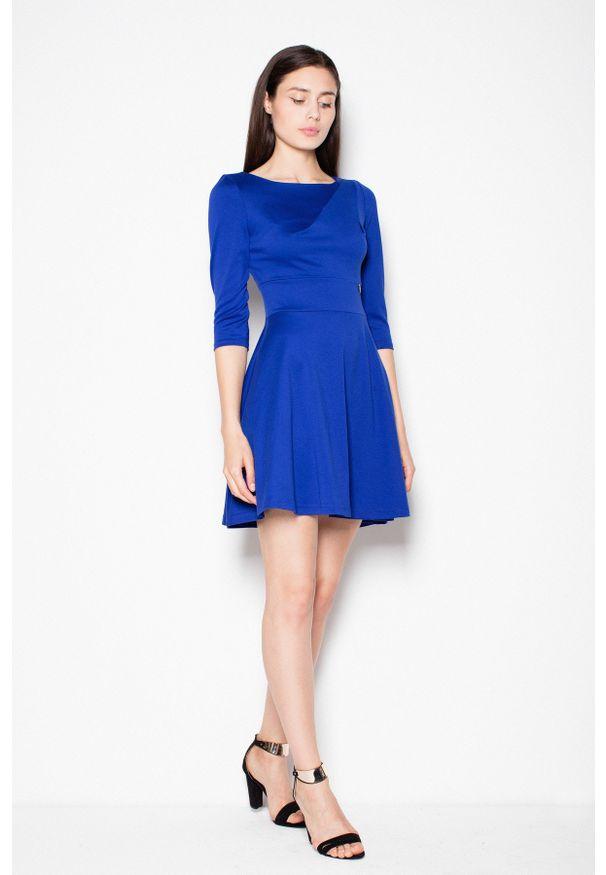 e-margeritka - Rozkloszowana sukienka odcinana w pasie, szafirowa - l. Okazja: na randkę. Kolor: niebieski. Materiał: poliester, elastan, wiskoza, materiał